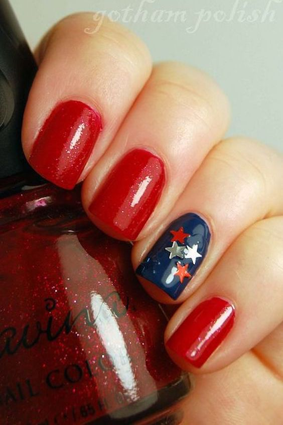 Accent nails can make all the difference. 4th of July nails.