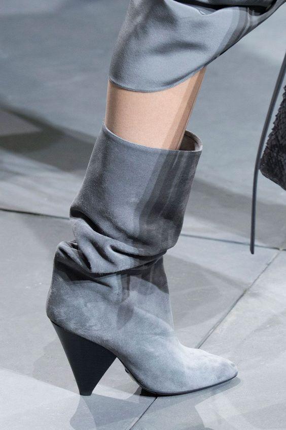 Muy a la moda unas botas abullonadas.