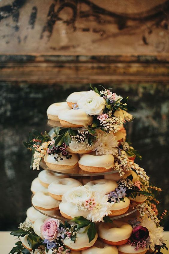 Doughnut cakes keep on trending. Delicious and affordable.