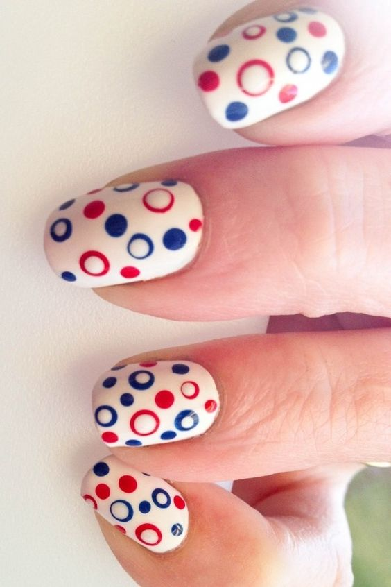 Amazing manicures for the 4th of July.