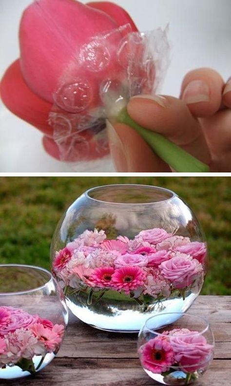 Un pequeño truco para lograr que floten las flores: usa bubble wrap.