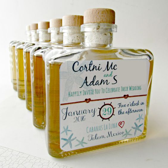 Invitation and wedding favor all in one for a destination wedding. Amazing, amirite?