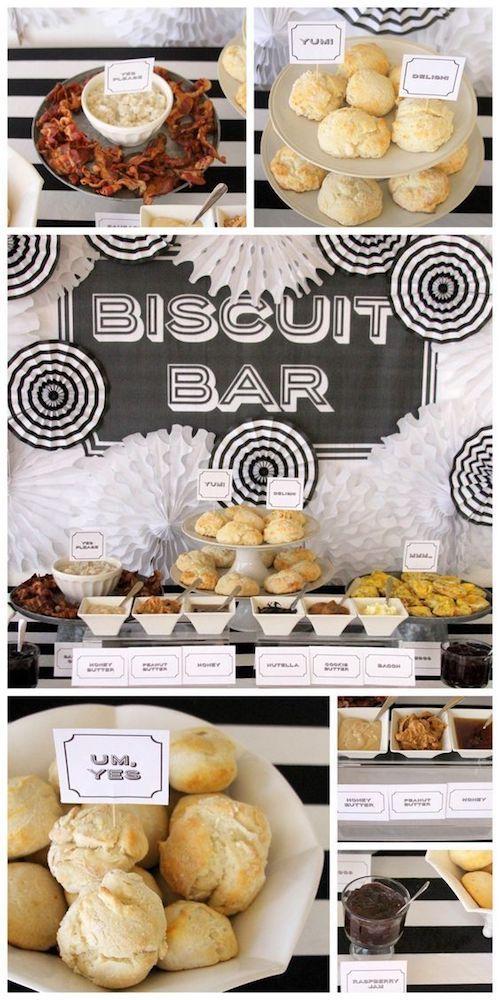 Esta mesa será la preferida en tu boda. Biscuits sureños con todo tipo de acompañamientos de Kirstin Gentry.
