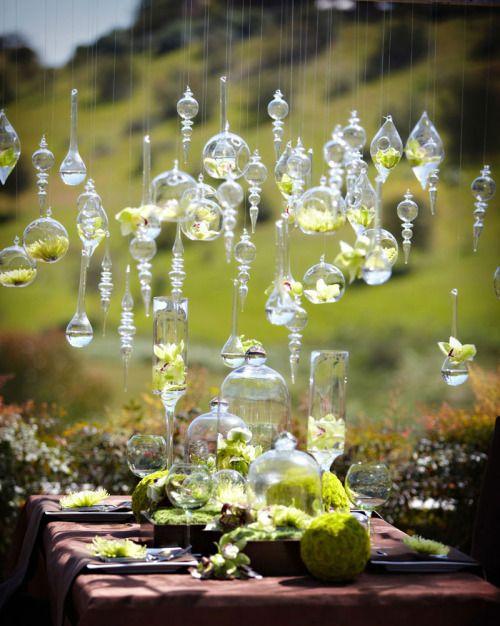 Suma un poco de magia a tu mesa campestre. ¿Es este tu tipo de bodas favorito?