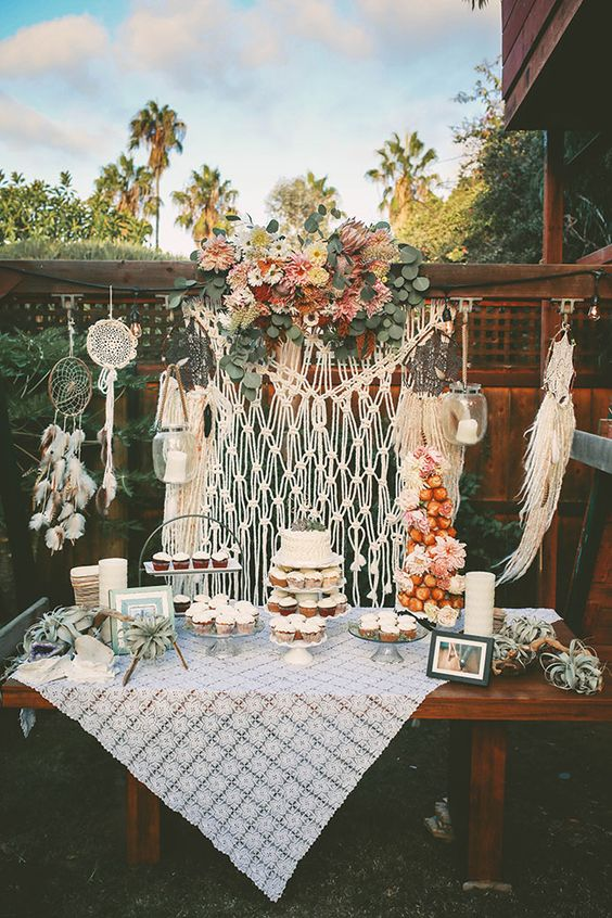 Bohemian backyard wedding dessert display. Photographer: Chris Wojdak Photography.