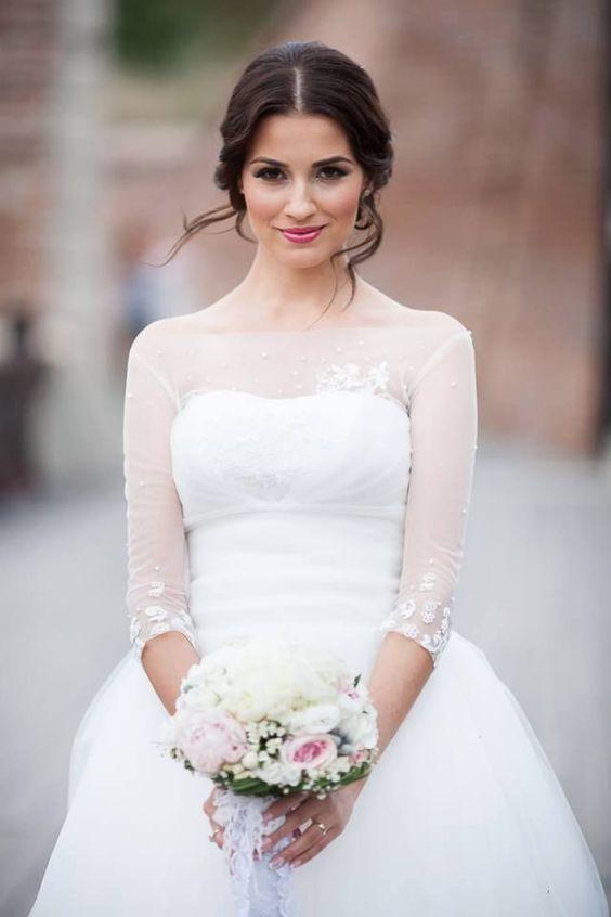 Un maquillaje precioso para una novia de pelo castaño. Como escoger a la maquilladora ideal para tu boda.