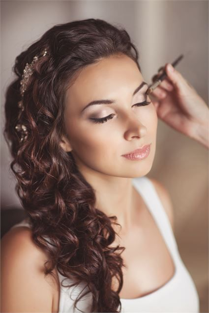 9 consejos para saber como escoger la maquilladora ideal para tu boda. ¡Toma nota!