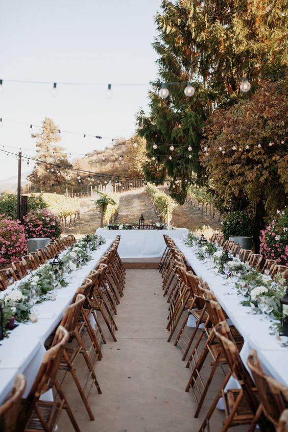Washington Fall vineyard wedding in dusky pink.