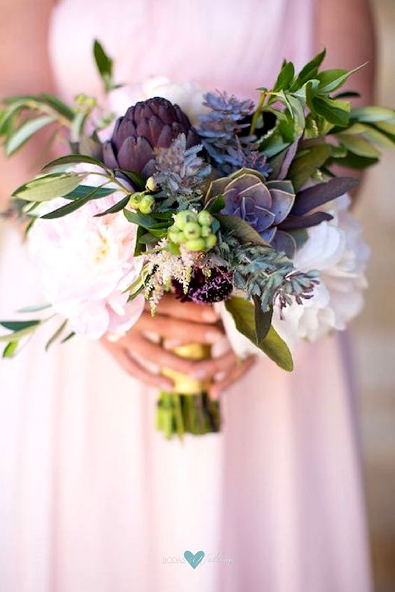 Blueberry bridal bouquets. Annie McElwain Photography.