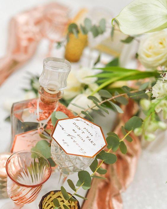 Los detalles en mármol y cobre pueden encontrarse por todos lados y sorprender a tus invitados.