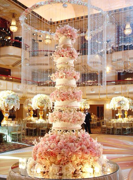 Such a stunning wedding deserves an insane five-tier cake.