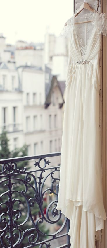Ever dreamt of getting married in Paris? Now's your chance! Second marriage wedding ideas.