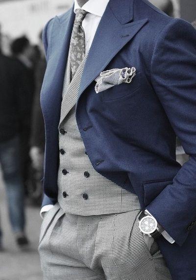 Otra combinación clásica para el otoño: gris y azul marino.