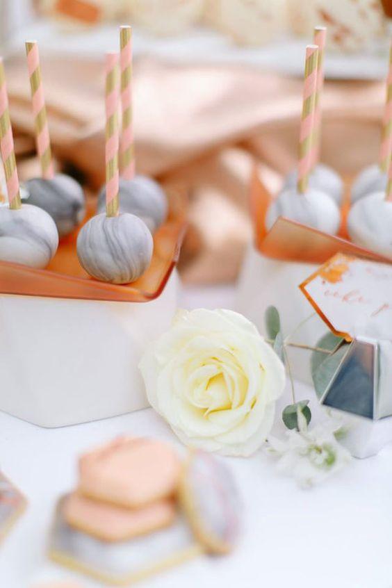 Inspiración en mármol y cobre con blush.