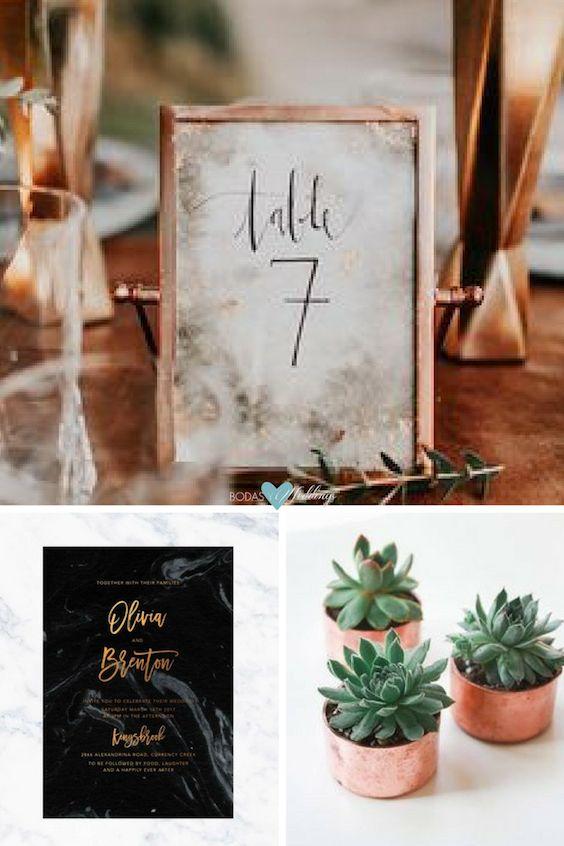 Que reine el cobre. Hermosos números para mesa en cobre. Las invitaciones cuentan con mármol gris y blanco, en contraste con un diseño moderno negro audaz con sorprendente foil de cobre. Estas suculentas sirven tanto para la decoración o como recuerdos de boda.