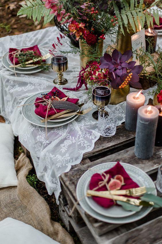 Romantic vineyard wedding tablesetting.
