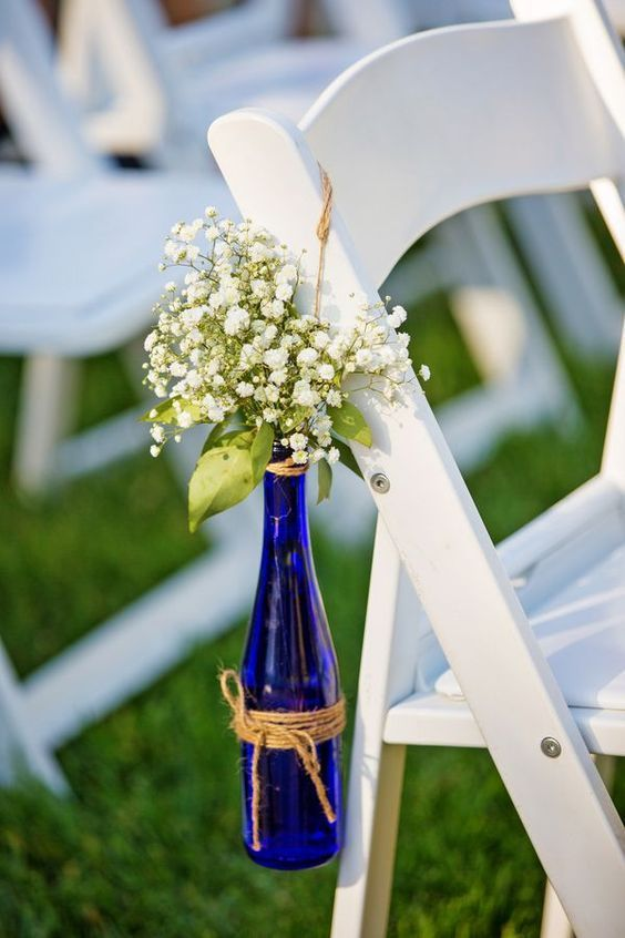 Lovely way to incorporate blue in your wine-inspired wedding.