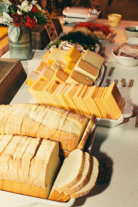 Organize a grilled cheese party at your wedding. Interactive, fun and delicious. Hunter Ryan Photo.