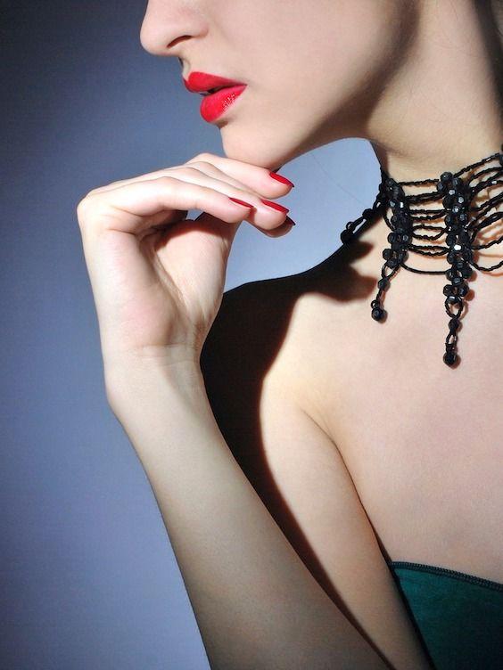 Cuida tu piel, labios e incluso tus cutículas. Lee esta guía esencial de belleza para novias.