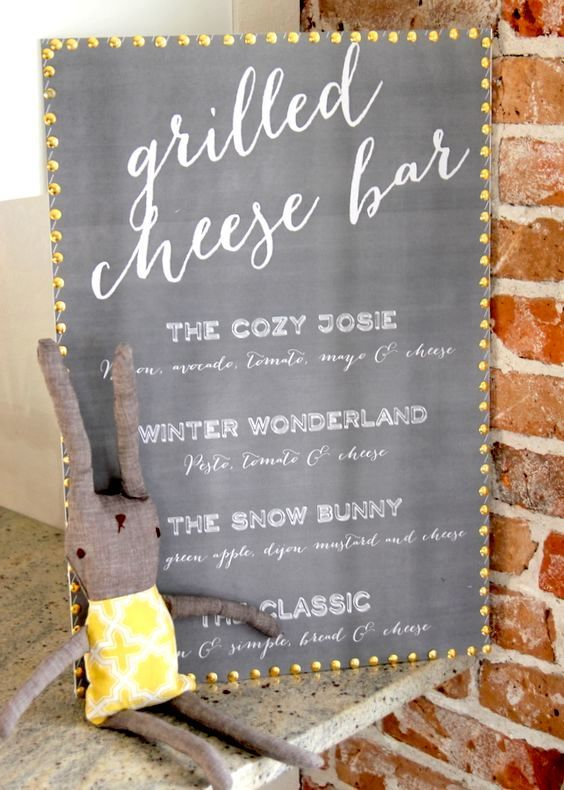 How to organize a grilled cheese bar? With a grilled cheese bar menu for weddings, of course!