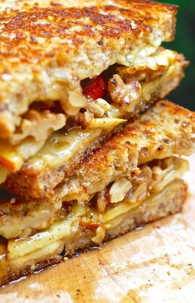 Fontina, walnuts, apple and honey on the table and you are the master of the grilled cheese bars.