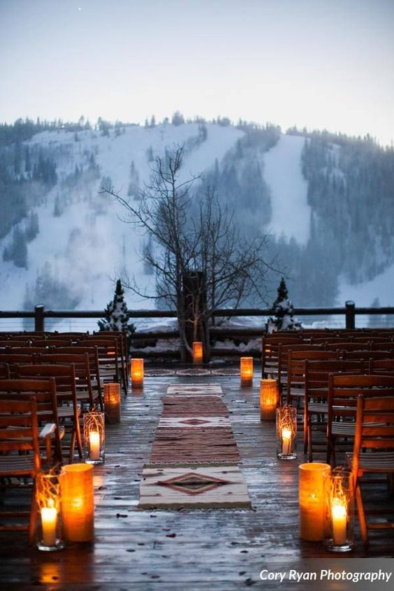 Stunning and unforgettable mountain winter wedding ideas. Photo: Cory Ryan Photography Utah weddings.