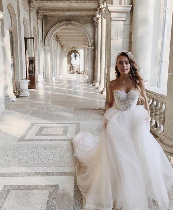 Descubre cual es el orden de entrada en el protocolo de boda religiosa en los Estados Unidos y como se diferencia del resto.