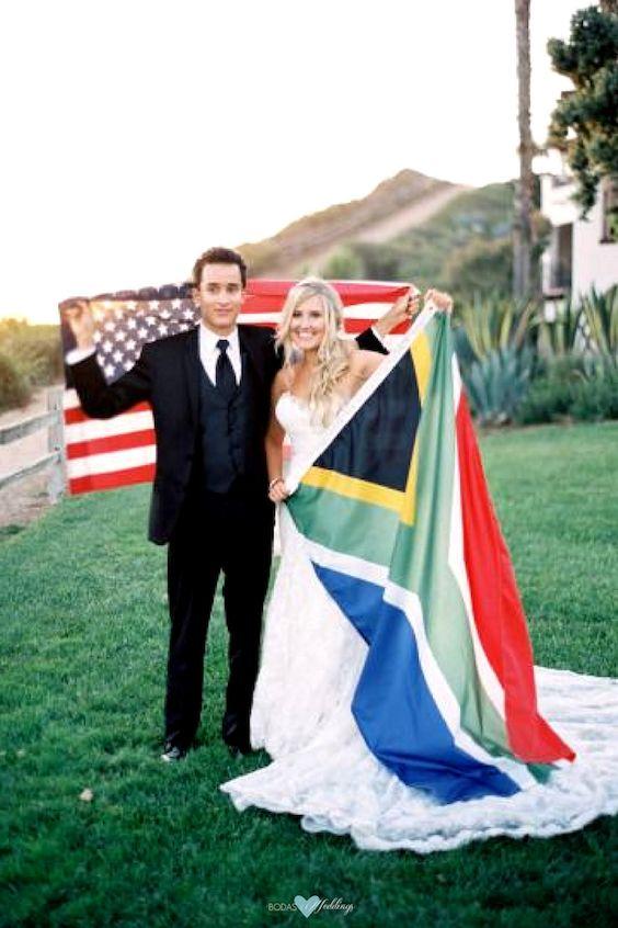 Ideas para parejas internacionales. Saca a relucir las banderas para una fotografía única e inolvidable.
