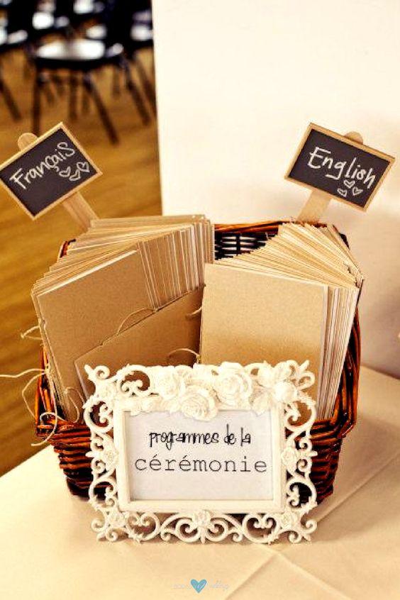Programas de boda bilingües. El detalle de los cartelitos es super dulce.