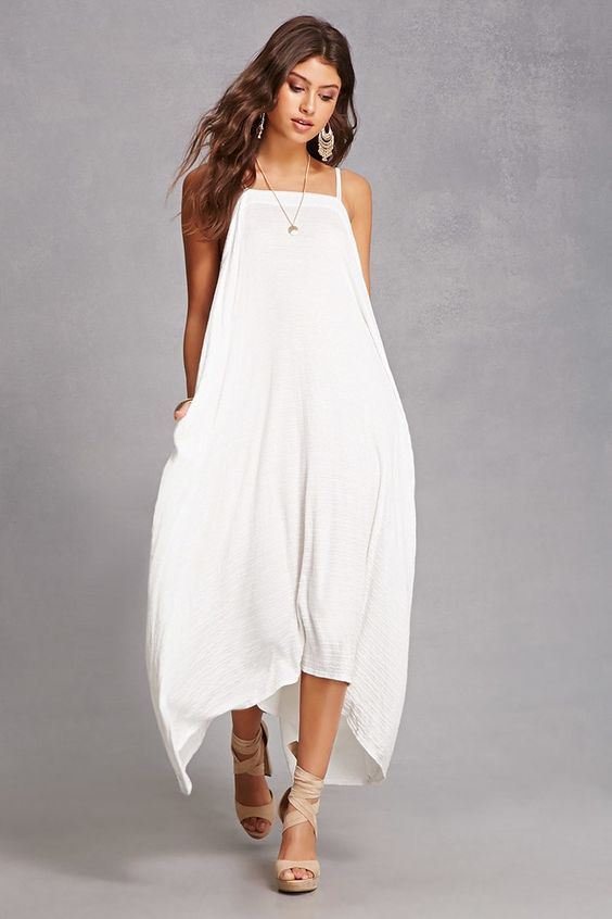 Un vestido cami con corte trapecio de Forever21.