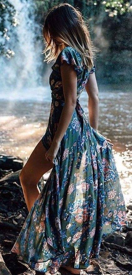 La respuesta al que me pongo para ir a una boda al aire libre. Un vestido maxi floral.