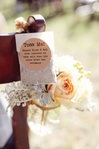Una etiqueta con instrucciones siempre viene bien. Boda en un viñedo en Austin, TX. Forever Photography + Wedding Warriors.