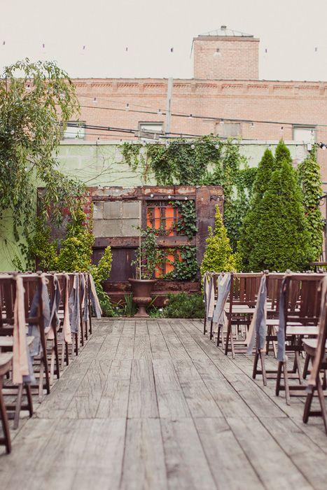 Imagina una boda íntima en una terraza secreta.