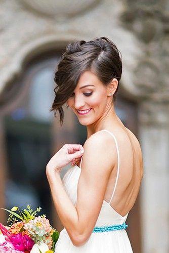 Si tu cabello es corto y tu cara ovalada, puedes lucir este hermoso peinado y ¡decirle adiós a las extensiones!
