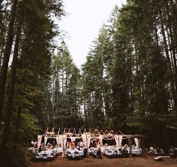 If you want a cheap getaway wedding without the hassle of endless planning, think pop-up weddings!