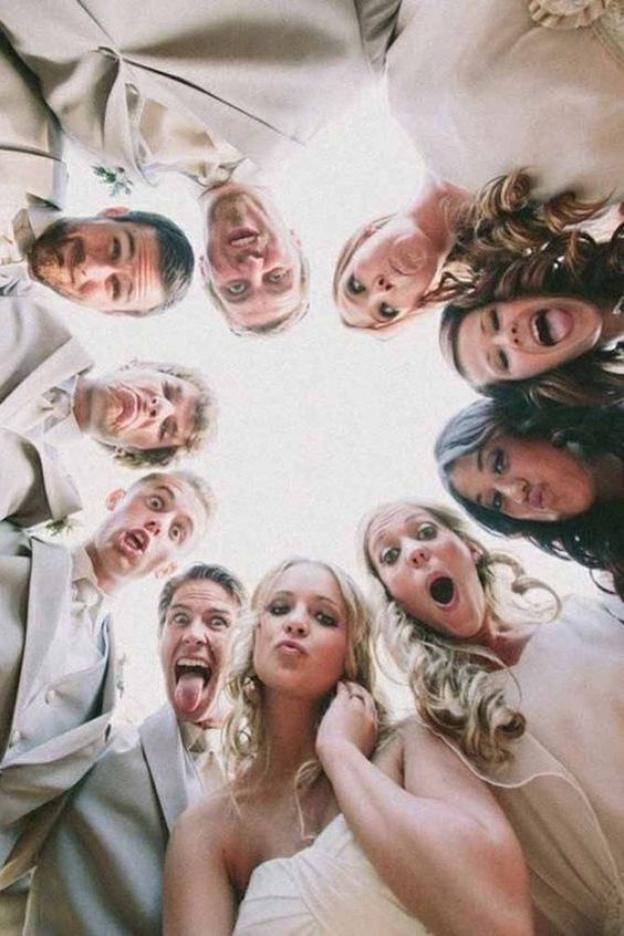 Hemos reunido los mejores looks de damas de honor para una boda millennial.