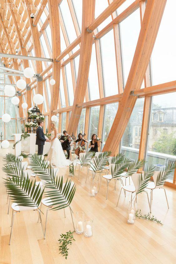 Un look tropical, Art-Deco, minimalista de salón de bodas.