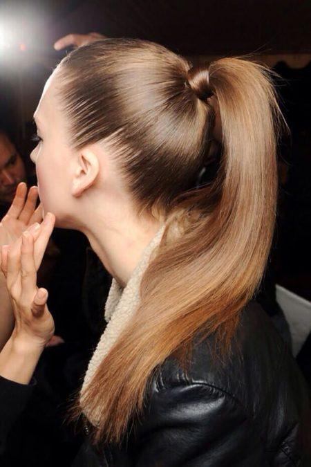 Si tu rostro es ovalado, ¿te animas a lucir un ponytail de pasarela el dia de tu boda?