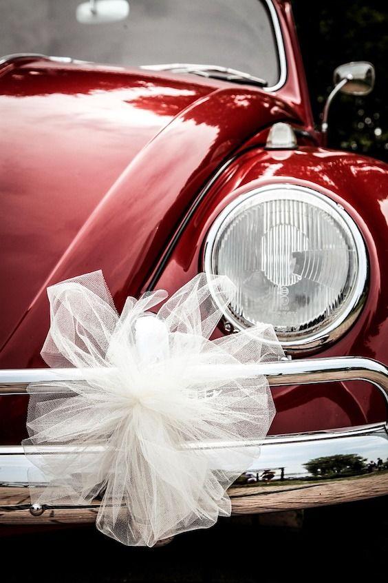 Nada mas simpático que un VW Beetle decorado y listo para la salida de la boda.