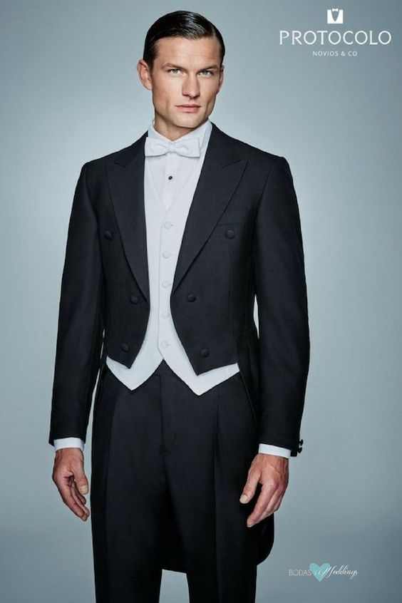 Evening tail suit or tailcoat, the most formal of the types of wedding suits for grooms, by Protocolo.