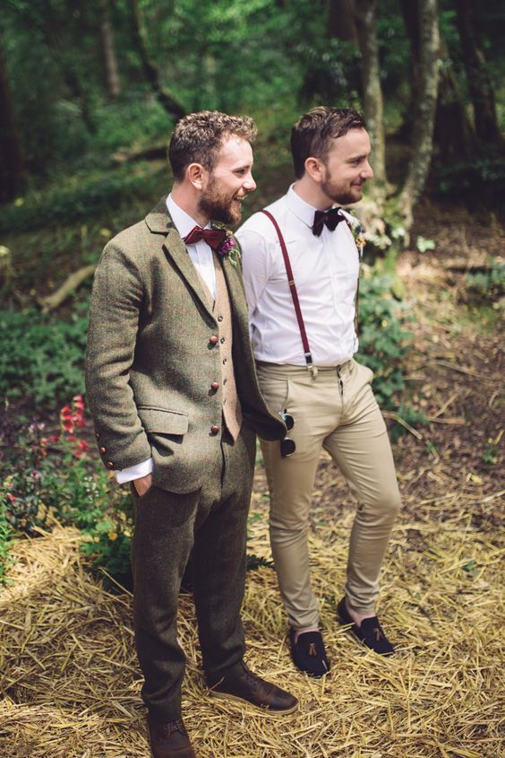 Brown tweed three piece suit and bow tie for a vintage woodland wedding. Photographer: Jenna Woodward Photography.