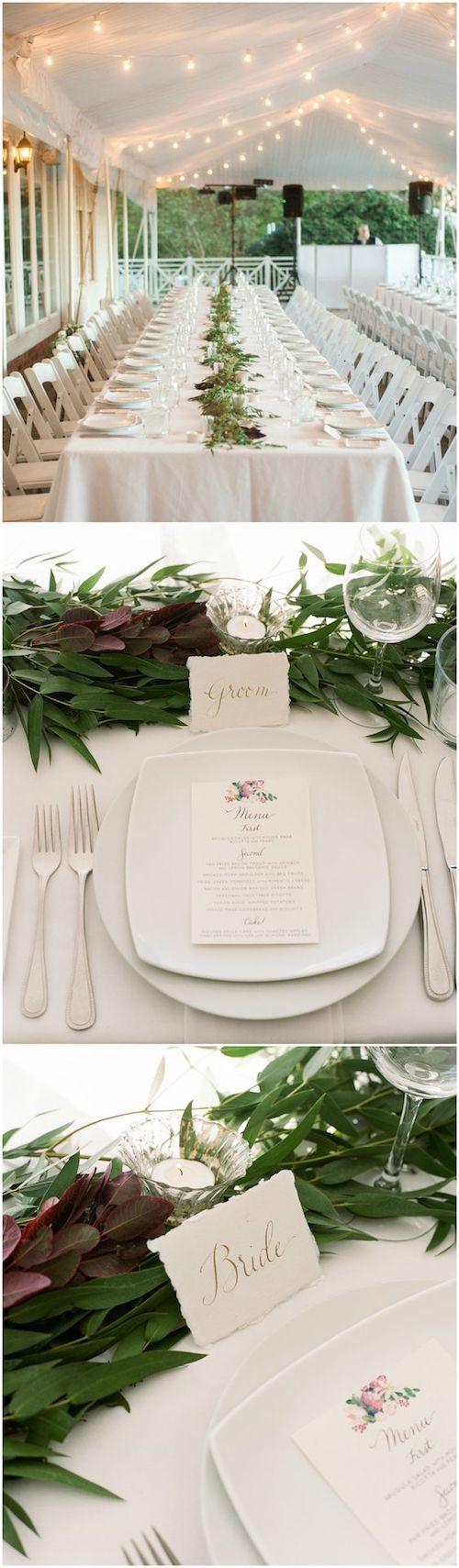Aunque la boda sea de punta en blanco, escoge varias tonalidades del mismo para lograr profundidad y un tono adicional para contrastar. Foto: Ashley Cox Photography.