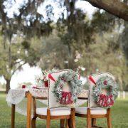 No dejes que tu decoración de bodas se transforme en el taller de Santa Claus. Aprende de estos 10 errores al elegir los colores de boda. Foto: Theresa NeSmith Photography.