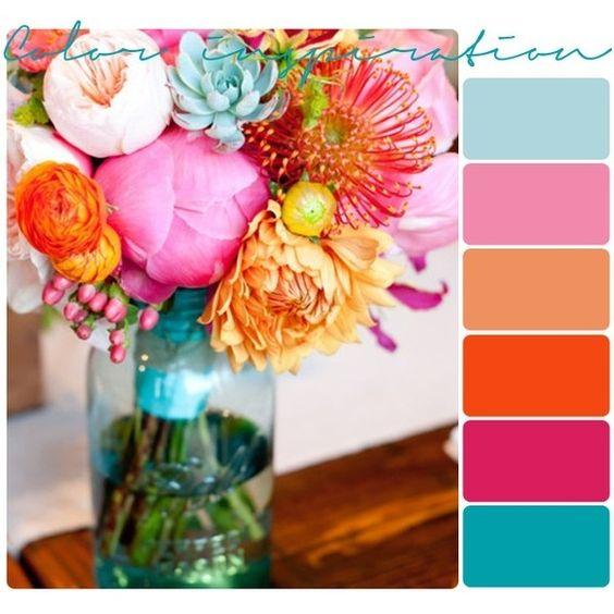 Si te inspiras en un colorido ramo de flores puedes terminar con mas de cinco colores en tu paleta. No cometas estos errores al elegir los colores de boda.