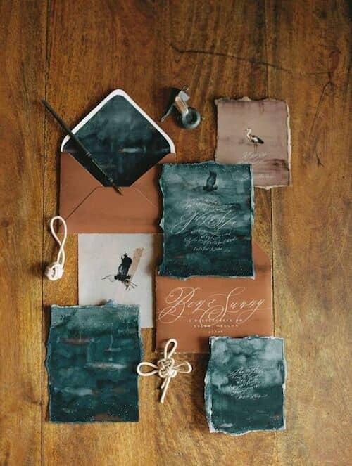 Imagina una boda en bosque encantado con estas tarjetas de casamiento.