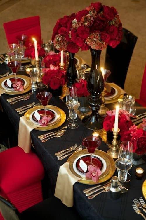 Boda en rojo, negro y dorado. Una combinación de lujo sin igual.