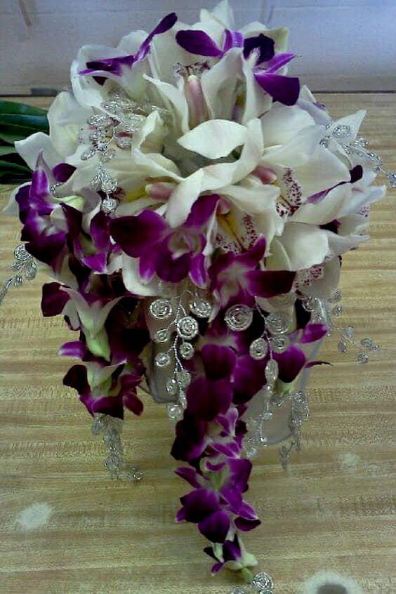 Bouquet de orquídeas en cascada de Amysorchids.