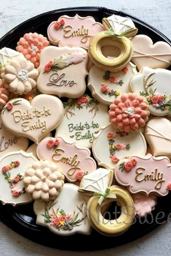 Bridal shower ideas: super adorable cookies.