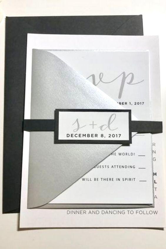 Sencillas y elegantes invitaciones en negro y metalizado.