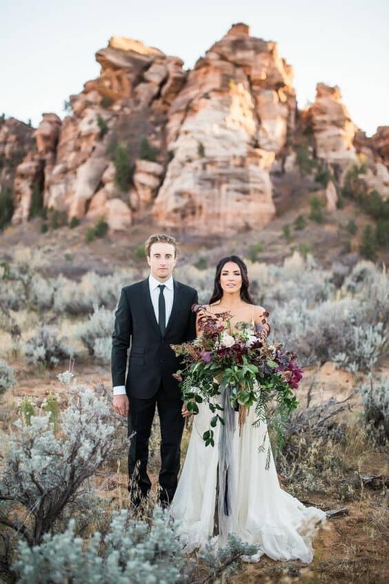 ¿Que opinas de Zion National Park para un elopement con inspiracion bohemia folk? #Elopements #Zion #National #Park Hazel & Lace Photography.